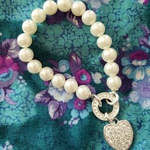 Faux Pearl Stretch Bracelet with Heart